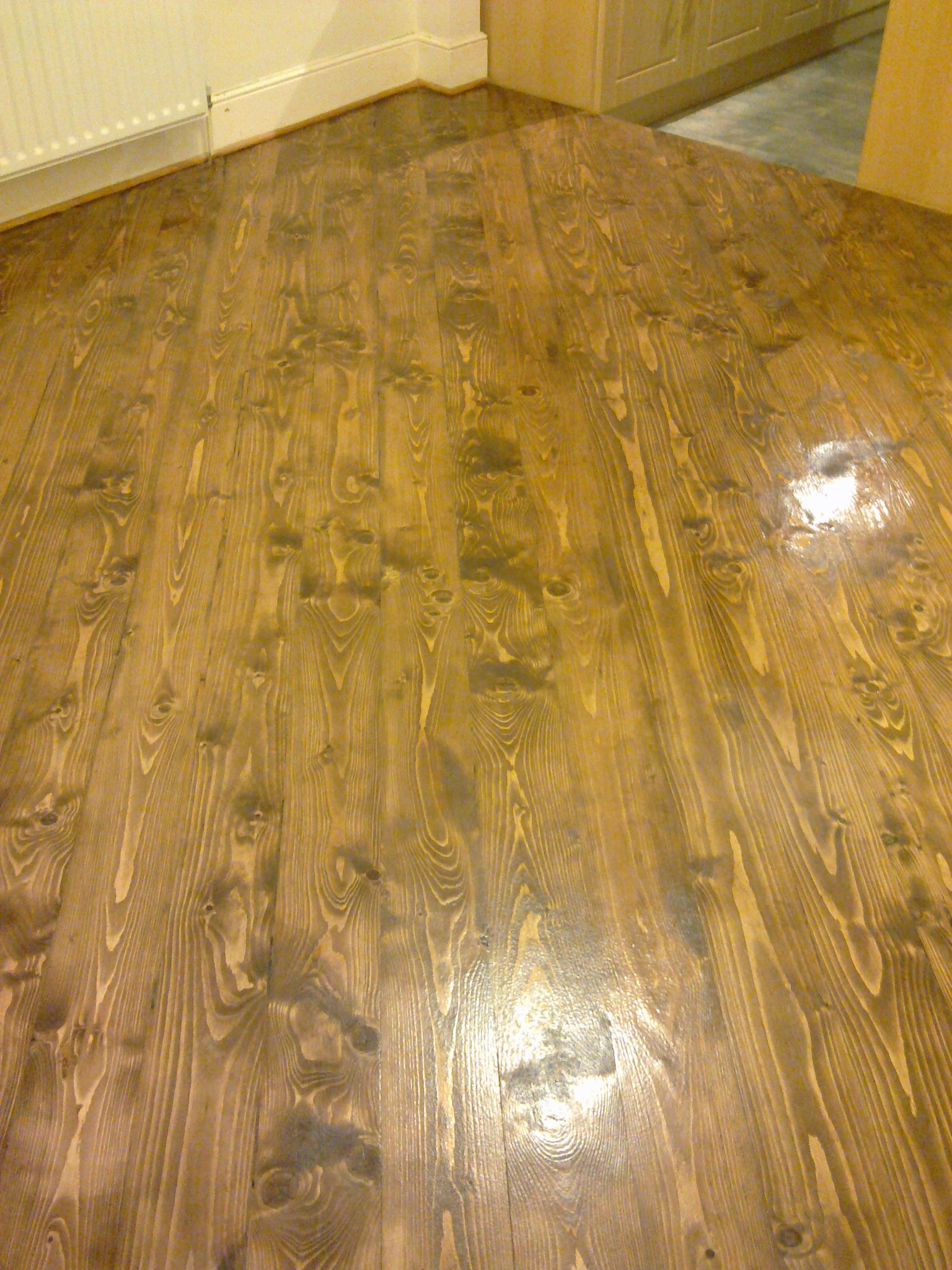 pine floor staining